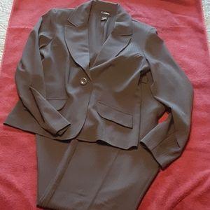 💼 T Milano sz 10 black pinstripe pants suit